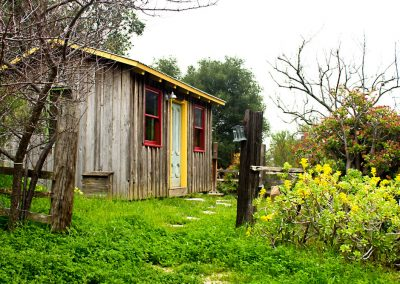 They call this cabin the Om Shanti. It is so cute and colorful, especially with all the green plant life.